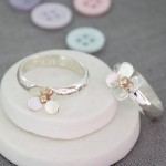 personalised silver daisy ring