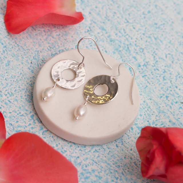 Mother Of The Bride Jewelry: Mother Of The Bride Silver Disc And Pearl Earrings
